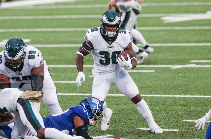Philadelphia Eagles running back Corey Clement (Mandatory Credit: Vincent Carchietta-USA TODAY Sports)