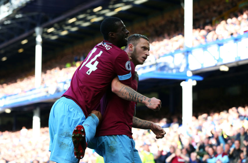 LIVERPOOL, ENGLAND - SEPTEMBER 16: Marko Arnautovic of West Ham United celebrates with teammate Pedro Obiang after scoring his team's third goal during the Premier League match between Everton FC and West Ham United at Goodison Park on September 16, 2018 in Liverpool, United Kingdom. (Photo by Alex Livesey/Getty Images)