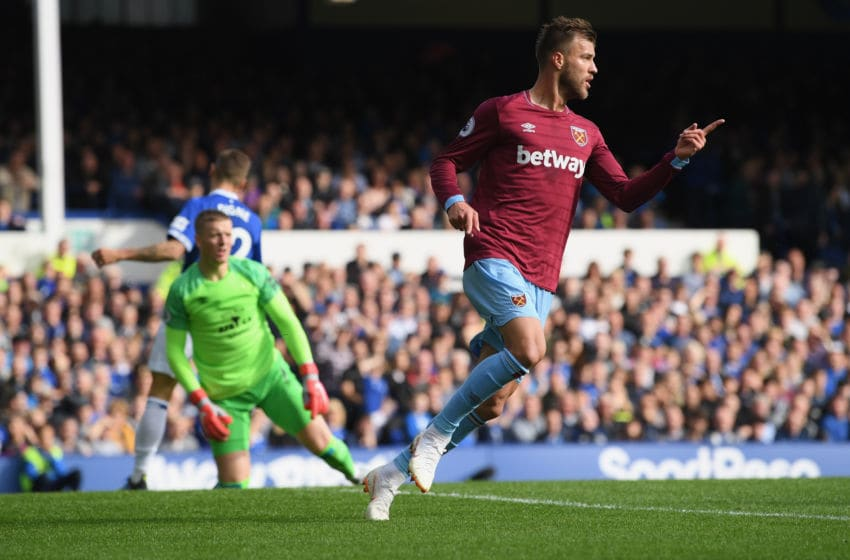 LIVERPOOL, ENGLAND - SEPTEMBER 16: Andriy Yarmolenko of West Ham United celebrates after scoring his team's first goal during the Premier League match between Everton FC and West Ham United at Goodison Park on September 16, 2018 in Liverpool, United Kingdom. (Photo by Stu Forster/Getty Images)