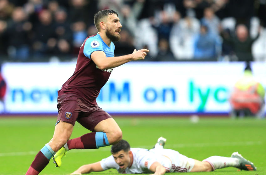 LONDON, ENGLAND - OCTOBER 26: Robert Snodgrass of West Ham United celebrates after scoring his team's first goal during the Premier League match between West Ham United and Sheffield United at London Stadium on October 26, 2019 in London, United Kingdom. (Photo by Stephen Pond/Getty Images)