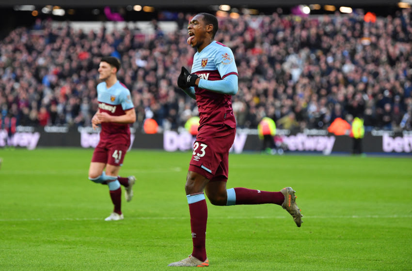 LONDON, ENGLAND - JANUARY 18: Issa Diop of West Ham United celebrates scoring a goal to make the score 1-0 during the Premier League match between West Ham United and Everton FC at London Stadium on January 18, 2020 in London, United Kingdom. (Photo by Justin Setterfield/Getty Images)