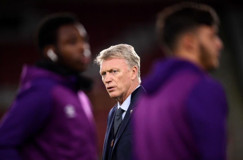SHEFFIELD, ENGLAND - JANUARY 10: David Moyes, Manager of West Ham United inspects the pitch ahead of the Premier League match between Sheffield United and West Ham United at Bramall Lane on January 10, 2020 in Sheffield, United Kingdom. (Photo by Laurence Griffiths/Getty Images)