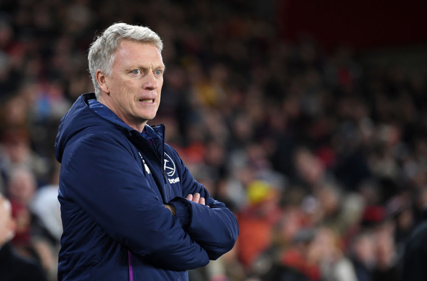 SHEFFIELD, ENGLAND - JANUARY 10: David Moyes, Manager of West Ham United looks on during the Premier League match between Sheffield United and West Ham United at Bramall Lane on January 10, 2020 in Sheffield, United Kingdom. (Photo by Michael Regan/Getty Images)