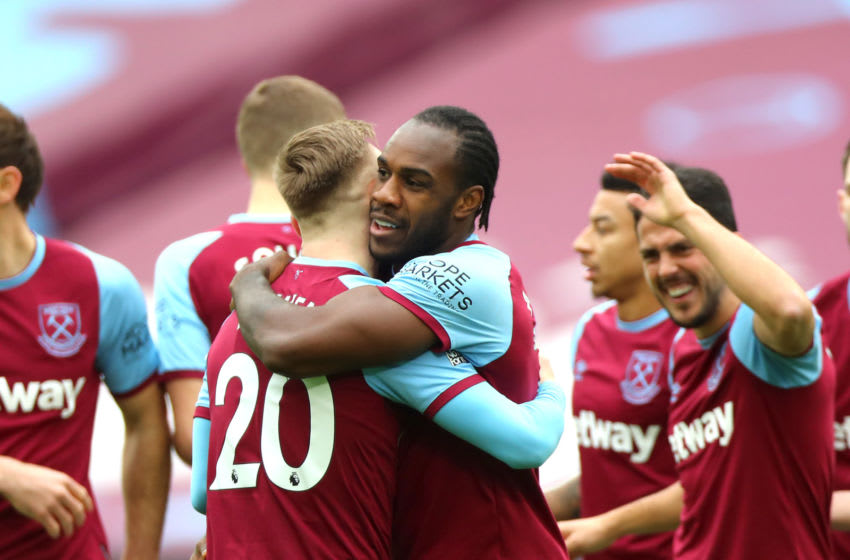 West Ham celebrate Michail Antonio's opening goal against Tottenham. (Photo by Chloe Knott - Danehouse/Getty Images)