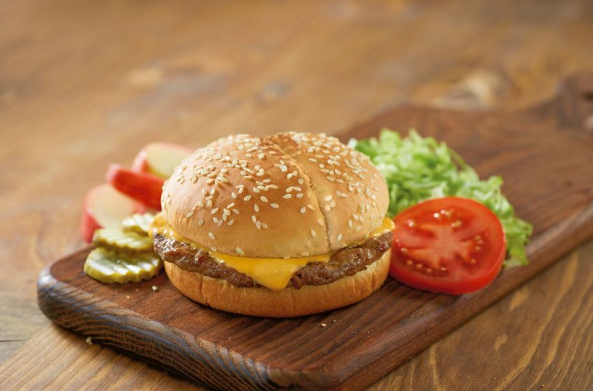 Kids Meals, Cheeseburger at Red Robin. Photo courtesy Red Robin