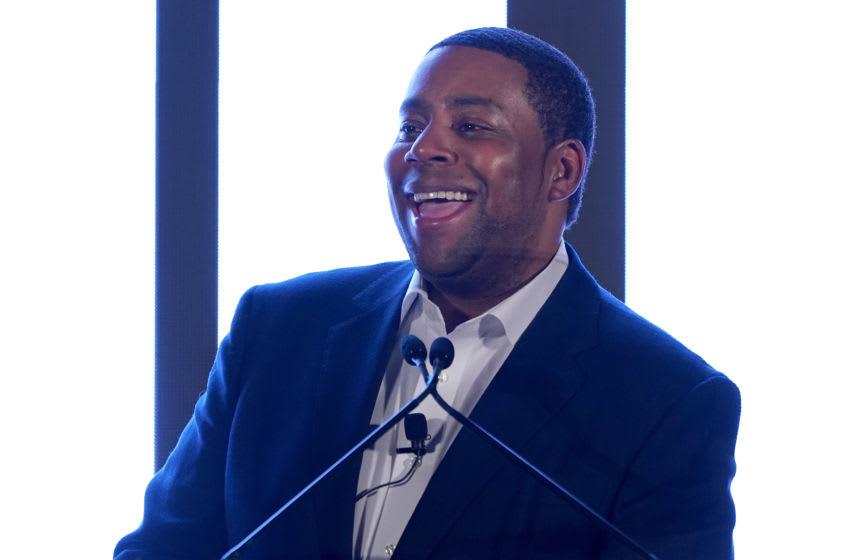 NEW YORK, NEW YORK - DECEMBER 09: Kenan Thompson speaks onstage during