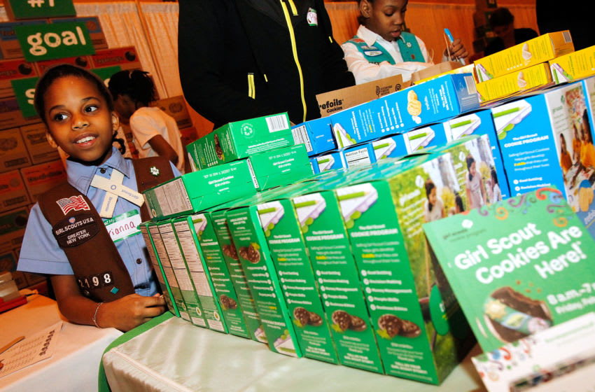 NEW YORK, NY - FEBRUARY 07: Girl Scouts of the USA kicks off National Girl Scout Cookie Weekend at Vanderbilt Hall in Grand Central Terminal on February 7, 2014 in New York City. (Photo by Paul Morigi/Getty Images for Girl Scouts of the USA)