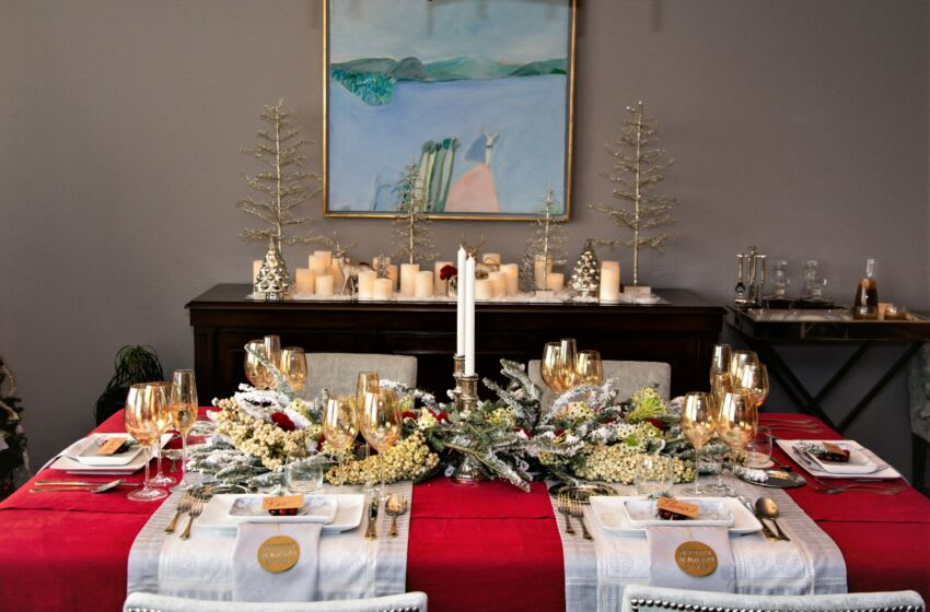 MEXICO CITY, MEXICO - DECEMBER 23: Christmas dinner table with colors, articles and typical food of the season at particular house on December 23, 2019 in Mexico City, Mexico. (Photo by Medios y Media/Getty Images)