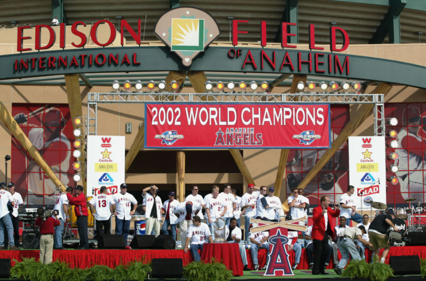 ANAHEIM, CA - OCTOBER 29: The Anaheim Angels take the stage as the World Series Victory Parade celebration concludes in front of Edison International Field on October 29, 2002 in Anaheim, California. (Photo by: Donald Miralle/Getty Images)