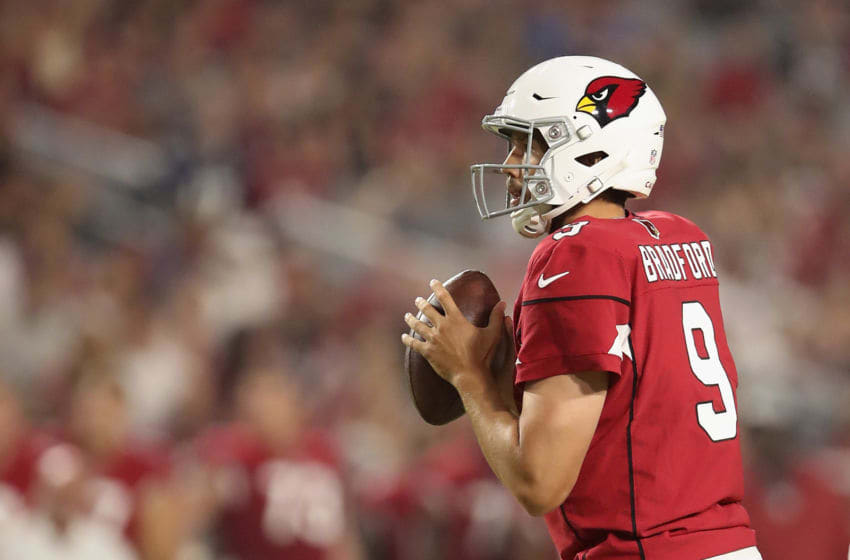 GLENDALE, AZ - AUGUST 11: Quarterback Sam Bradford #9 of the Arizona Cardinals drops back to pass during the preseason NFL game against the Los Angeles Chargers at University of Phoenix Stadium on August 11, 2018 in Glendale, Arizona. (Photo by Christian Petersen/Getty Images)