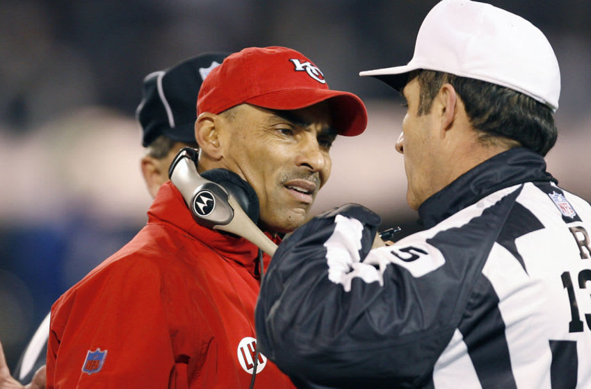 Chiefs head coach Herm Edwards with an official in the second half as the Kansas City Chiefs defeated the Oakland Raiders by a score of 20 to 9 at McAfee Coliseum, Oakland, California, December 23, 2006. (Photo by Robert B. Stanton/NFLPhotoLibrary)