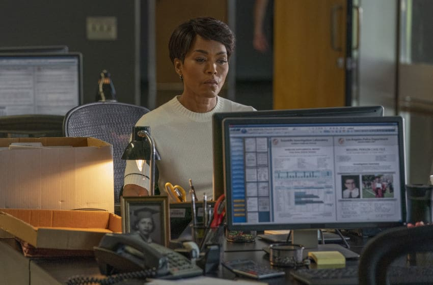 "9-1-1: Angela Bassett in the ""Athena Begins"" episode of 9-1-1 airing Monday, Nov. 4 (8:00-9:01 PM ET/PT) on FOX. © 2019 FOX MEDIA LLC. CR: Jack Zeman / FOX."