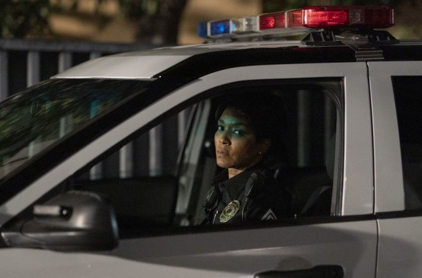 "9-1-1: Angela Bassett in the ""Powerless"" episode of 9-1-1 airing Monday, May 4 (8:00-9:01 PM ET/PT) on FOX. CR: Jack Zeman / FOX. © 2020 FOX Media LLC."