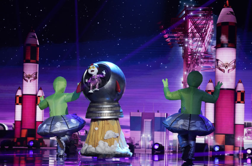 "THE MASKED SINGER: Baby Alien in the ""The Group B Play Offs - Cloudy with a Chance of Clues"" episode of THE MASKED SINGER airing Wednesday, Oct. 14 (8:00-9:00 PM ET/PT) on FOX. © 2020 FOX MEDIA LLC. CR: Michael Becker/FOX."