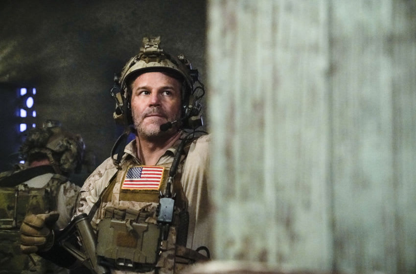 """""""The Carrot or The Stick"""" – With no leads on Ray's whereabouts, Jason pushes Bravo team to extreme lengths and considers crossing a dangerous line to help locate their missing brother. Meanwhile, Ray tries to survive captivity, on SEAL TEAM, Wednesday, Jan. 13 (9:00-10:00 PM, ET/PT) on the CBS Television Network. Pictured: David Boreanaz as Jason Hayes. Photo: Cliff Lipson/CBS ©2020 CBS Broadcasting, Inc. All Rights Reserved."""