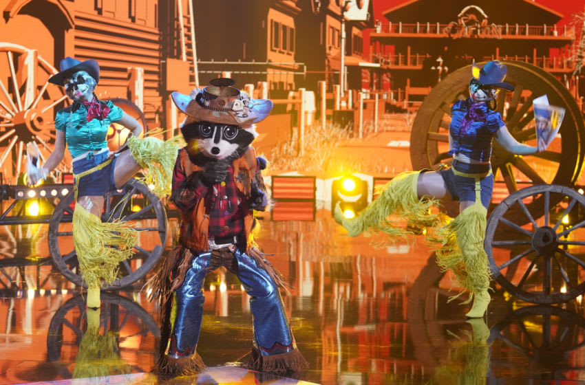 THE MASKED SINGER: Raccoon in the Group A Wildcard Round - Enter The Wildcards!  Ó episode of THE MASKED SINGER aired Wednesday, March 24 (8:00 am-9:00pm ET / PT), © 2021 FOX MEDIA LLC.  CR: Michael Becker / FOX.