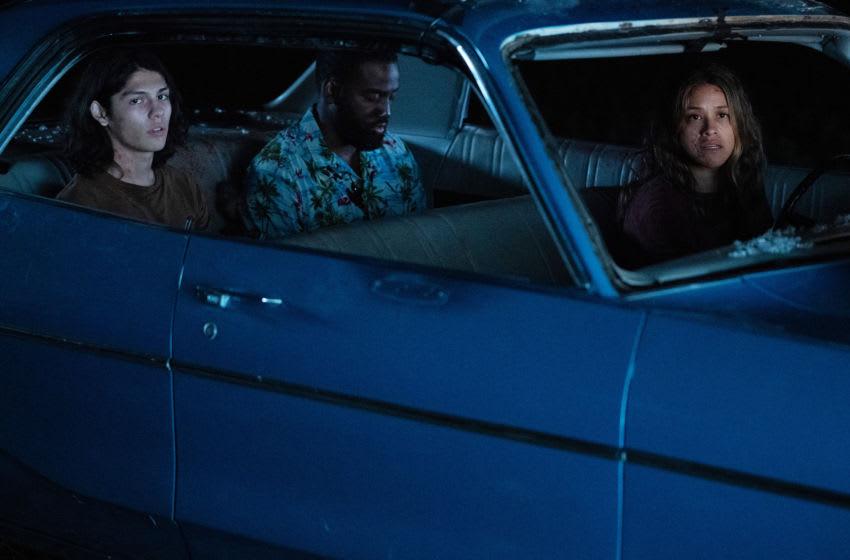 Awake: Ariana Lucius Hoyos as Noah, Shamier Anderson as Dodge and Gina Rodriguez as Jill Adams. Cr. Peter H. Stranks/Netflix © 2021