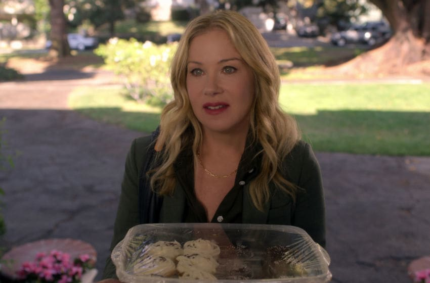 DEAD TO ME - CHRISTINA APPLEGATE as JEN HARDING in episode 6 of DEAD TO ME. Cr. Courtesy of Netflix/NETFLIX © 2020