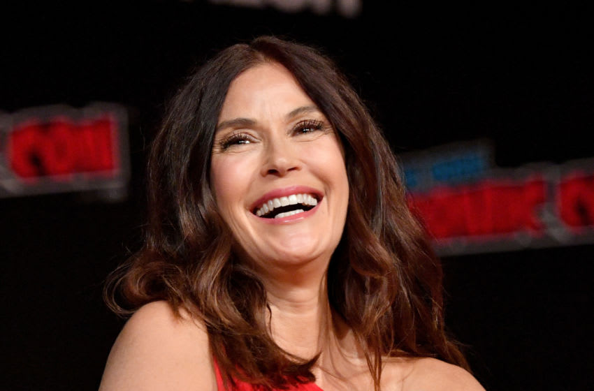 NEW YORK, NY - OCTOBER 05: Teri Hatcher speaks onstage at the Lois & Clark: The New Adventures of Superman 25th Anniversary Reunion panel during New York Comic Con 2018 at Jacob K. Javits Convention Center on October 5, 2018 in New York City. (Photo by Dia Dipasupil/Getty Images for New York Comic Con)