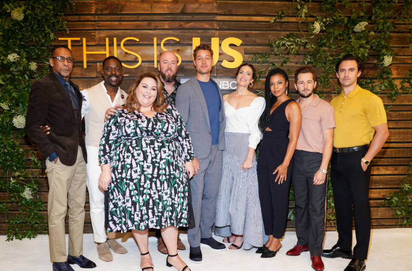 WEST HOLLYWOOD, CALIFORNIA - AUGUST 10: (L-R) Ron Cephas Jones, Sterling K. Brown, Chrissy Metz, Chris Sullivan, Justin Hartley, Mandy Moore, Susan Kelechi Watson, Michael Angarano, and Milo Ventimiglia attend NBC's