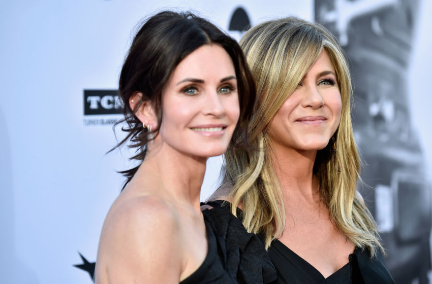 HOLLYWOOD, CA - JUNE 07: Courteney Cox (L) and Jennifer Aniston attend the American Film Institute's 46th Life Achievement Award Gala Tribute to George Clooney at Dolby Theatre on June 7, 2018 in Hollywood, California. 389980 (Photo by Frazer Harrison/Getty Images for Turner)