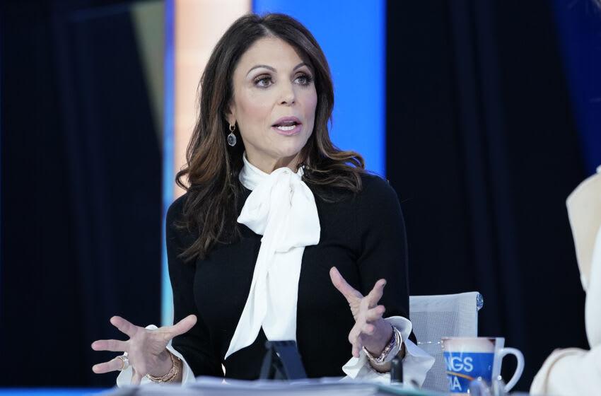 NEW YORK, NEW YORK - JANUARY 09: Fox anchor Maria Bartiromo interview Bethenny Frankel (L) during'