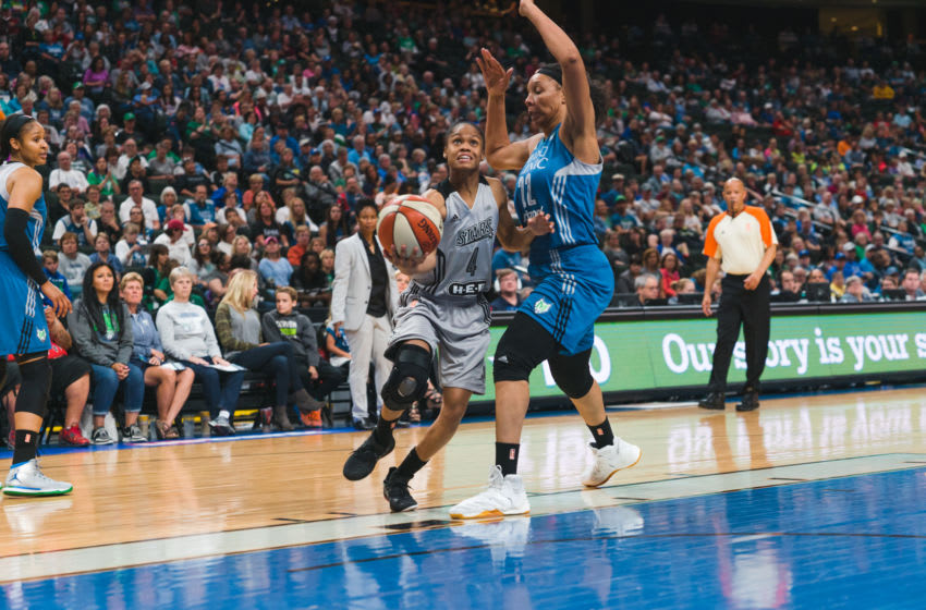 San Antonio Stars guard Moriah Jefferson drives to the basket. Photo by Brian Few, Jr.