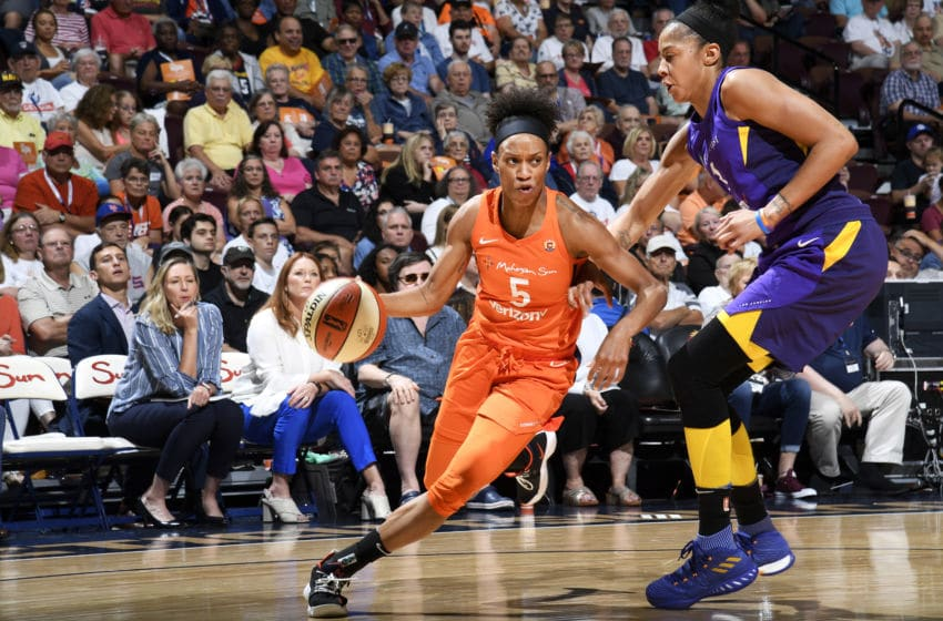 UNCASVILLE, CT - AUGUST 19: Jasmine Thomas #5 of the Connecticut Sun drives to the basket against the Los Angeles Sparks on August 19, 2018 at the Mohegan Sun Arena in Uncasville, Connecticut. NOTE TO USER: User expressly acknowledges and agrees that, by downloading and/or using this Photograph, user is consenting to the terms and conditions of the Getty Images License Agreement. Mandatory Copyright Notice: Copyright 2018 NBAE (Photo by Brian Babineau/NBAE via Getty Images)