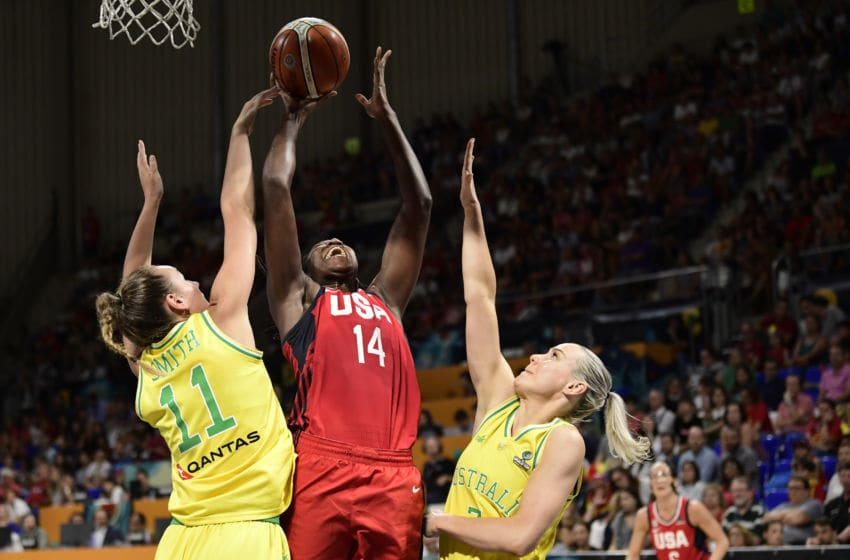 US center Tina Charles (C) vies with Australia's forward Alanna Smith (L) during the FIBA 2018 Women's Basketball World Cup final match between Australia and United States at the Santiago Martin arena in San Cristobal de la Laguna on the Canary island of Tenerife on September 30, 2018. (Photo by JAVIER SORIANO / AFP) (Photo credit should read JAVIER SORIANO/AFP via Getty Images)