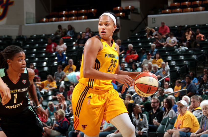 INDIANAPOLIS, IN - AUGUST 23: Marissa Coleman #25 of the Indiana Fever handles the ball during the game against the New York Liberty during a WNBA game on August 23, 2017 at Bankers Life Fieldhouse in Indianapolis, Indiana. NOTE TO USER: User expressly acknowledges and agrees that, by downloading and or using this Photograph, user is consenting to the terms and conditions of the Getty Images License Agreement. Mandatory Copyright Notice: Copyright 2017 NBAE (Photo by Ron Hoskins/NBAE via Getty Images)