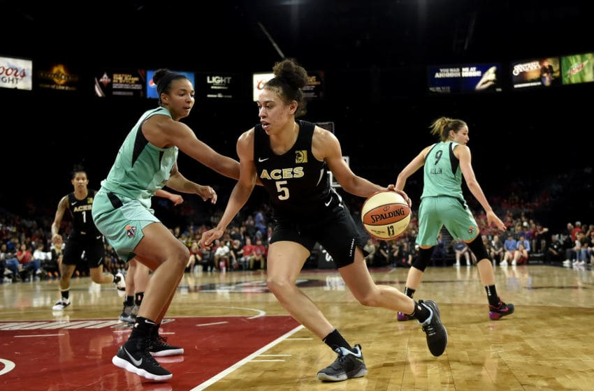 LAS VEGAS, NV - AUGUST 15: Dearica Hamby #5 of the Las Vegas Aces handles the ball during the game against the New York Liberty on August 15, 2018 at the Allstate Arena in Chicago, Illinois. NOTE TO USER: User expressly acknowledges and agrees that, by downloading and/or using this photograph, user is consenting to the terms and conditions of the Getty Images License Agreement. Mandatory Copyright Notice: Copyright 2018 NBAE (Photo by David Becker/NBAE via Getty Images)
