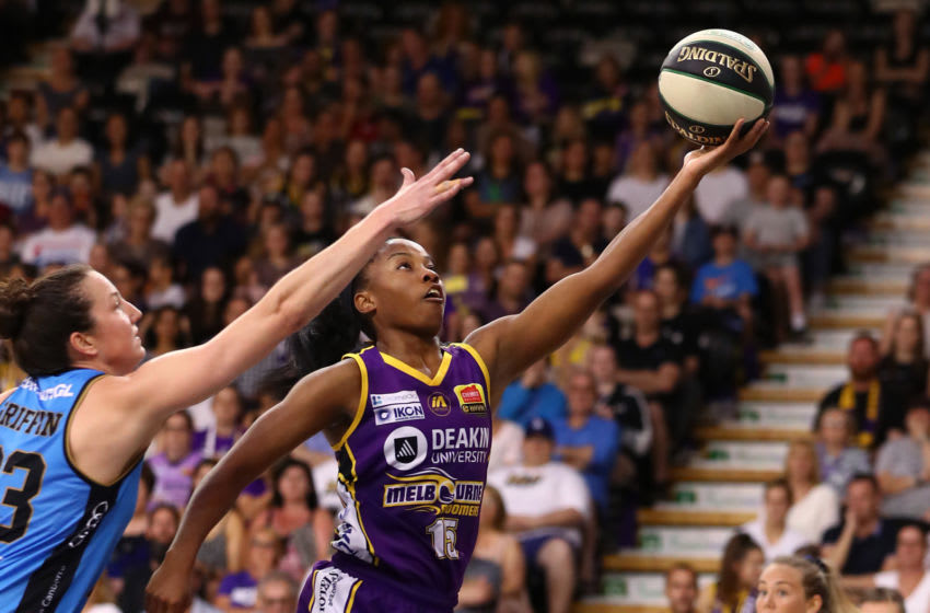 MELBOURNE, AUSTRALIA - FEBRUARY 23: Lindsay Allen of the Boomers drives to the basket during game two of the WNBL Semi Final series between the Melbourne Boomers and UC Capitals at the State Basketball Centre on February 23, 2020 in Melbourne, Australia. (Photo by Kelly Defina/Getty Images)