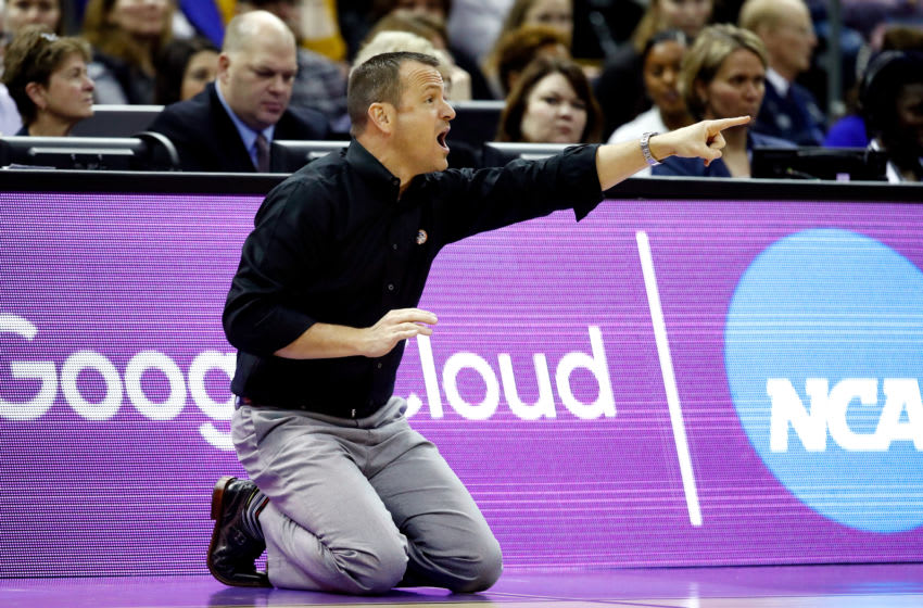 COLUMBUS, OH - MARCH 30: Head coach Jeff Walz of the Louisville Cardinals instructs his team against the Mississippi State Lady Bulldogs during the second half in the semifinals of the 2018 NCAA Women's Final Four at Nationwide Arena on March 30, 2018 in Columbus, Ohio. (Photo by Andy Lyons/Getty Images)