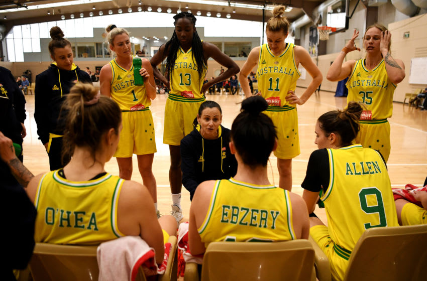 CANBERRA, AUSTRALIA - SEPTEMBER 17: Coach Sandy Brondello of the Opals speaks to the team during the International match between the Australian Opals and China at AIS on September 17, 2019 in Canberra, Australia. (Photo by Tracey Nearmy/Getty Images)