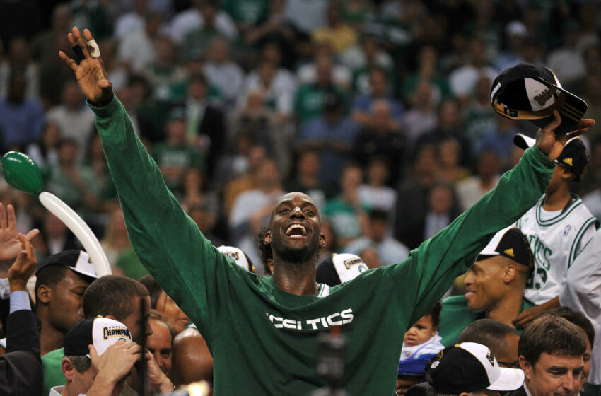Boston Celtics' Kevin Garnett celebrates after winning after winning Game 6 of the 2008 NBA Finals, in Boston, Massachusetts, June 17, 2008. The Boston Celtics captured the National Basketball Association championship, routing the Los Angeles Lakers 131-92 to win the best-of-seven NBA Finals four games to two. AFP PHOTO / GABRIEL BOUYS (Photo credit should read GABRIEL BOUYS/AFP via Getty Images)