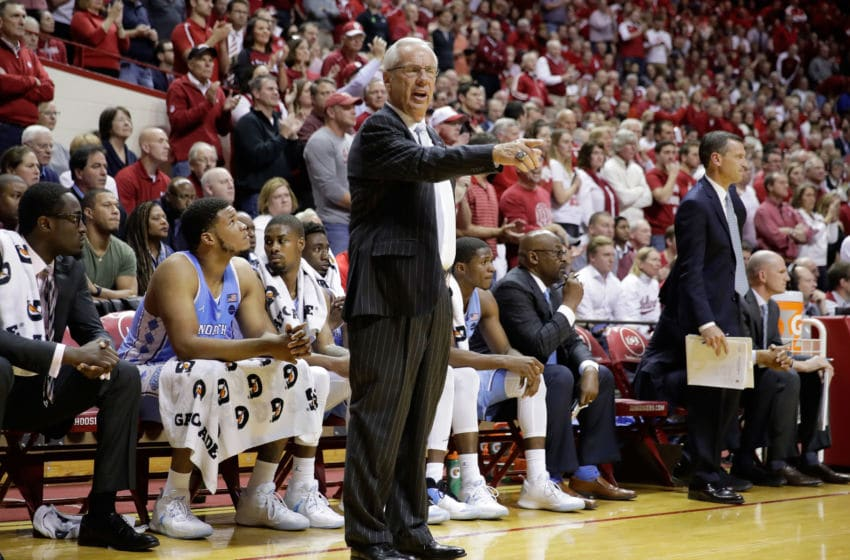 BLOOMINGTON, IN - NOVEMBER 30: Roy Williams the head coach of the North Carolina Tar Heels gives instructions to his team during the game against the Indiana Hoosiers at Assembly Hall on November 30, 2016 in Bloomington, Indiana. (Photo by Andy Lyons/Getty Images)