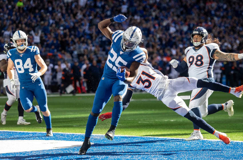 INDIANAPOLIS, IN - OCTOBER 27: Marlon Mack #25 of the Indianapolis Colts runs into the end zone for a touchdown in the third quarter of the game against the Denver Broncos at Lucas Oil Stadium on October 27, 2019 in Indianapolis, Indiana. (Photo by Bobby Ellis/Getty Images)