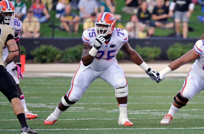 NASHVILLE, TN - OCTOBER 13: Chaz Green #75 of the Florida Gators plays against the Vanderbilt Commodores at Vanderbilt Stadium on October 13, 2012 in Nashville, Tennessee. (Photo by Frederick Breedon/Getty Images)