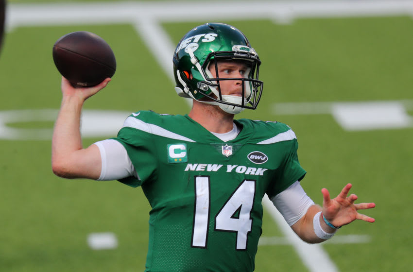 ORCHARD PARK, NY - SEPTEMBER 13: Sam Darnold #14 of the New York Jets looks to throw a pass against the Buffalo Bills at Bills Stadium on September 13, 2020 in Orchard Park, New York. Bills beat the Jets 27 to 17. (Photo by Timothy T Ludwig/Getty Images)