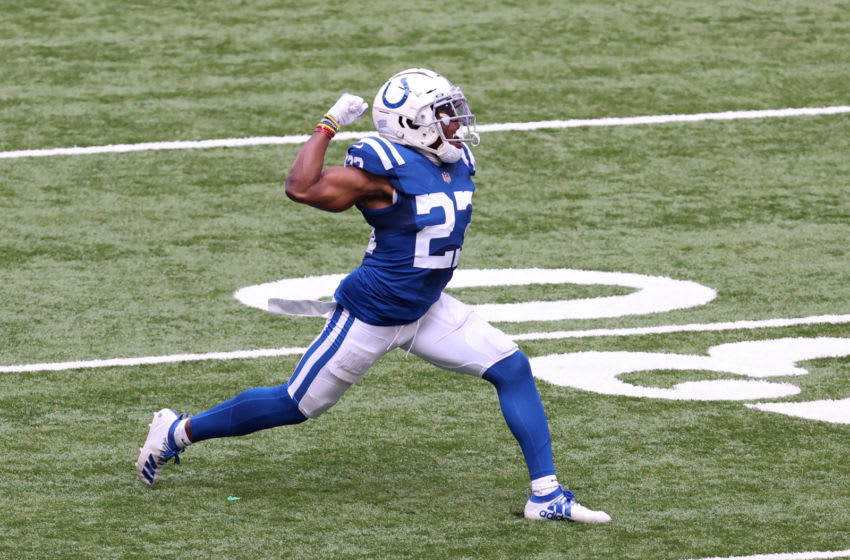 INDIANAPOLIS, INDIANA - SEPTEMBER 27: Kenny Moore II #23 of the Indianapolis Colts (Photo by Justin Casterline/Getty Images)
