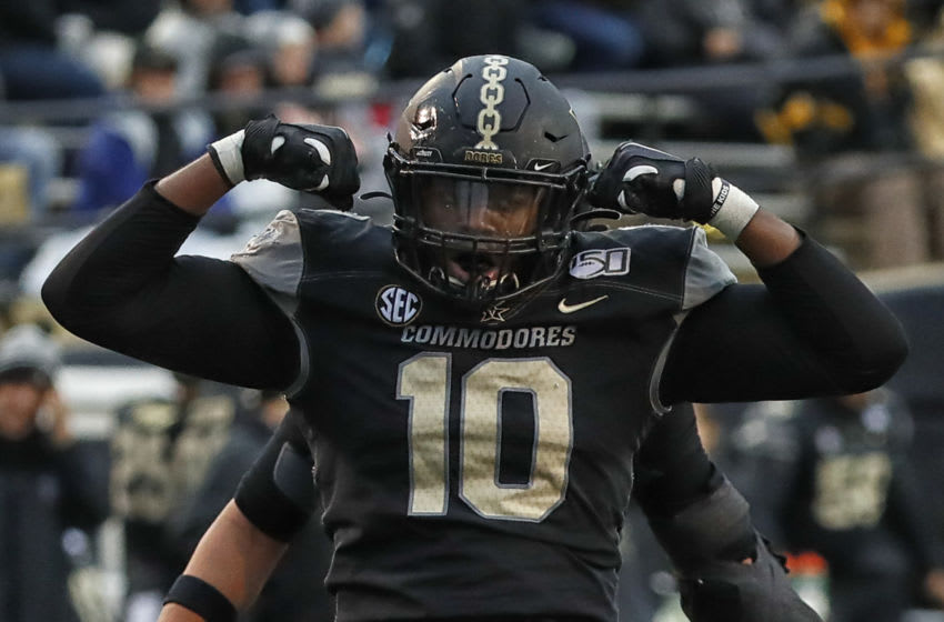 NASHVILLE, TENNESSEE - NOVEMBER 23: Defensive lineman Dayo Odeyingbo #10 of the Vanderbilt Commodores (Photo by Frederick Breedon/Getty Images)