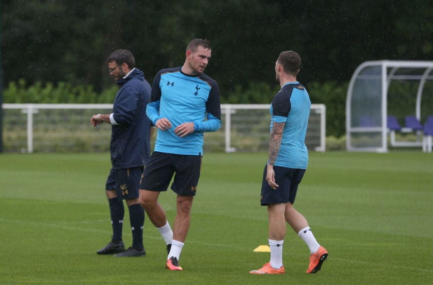 ENFIELD, ENGLAND - JULY 12: (EXCLUSIVE COVERAGE) New signing Vincent Janssen of Spurs (C) trains with Kieran Trippier of Spurs at Tottenham Hotspur Training Ground on July 12, 2016 in Enfield, England. (Photo by Tottenham Hotspur FC/Tottenham Hotspur FC via Getty Images)
