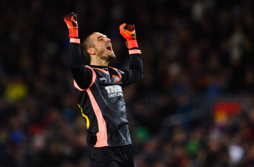 BARCELONA, SPAIN - JANUARY 06: Pau Lopez of RCD Espanyol celebrates after Felipe Caicedo of RCD Espanyol scored the opening goal during the Copa del Rey Round of 16 first leg match between FC Barcelona and RCD Espanyol at Camp Nou on January 6, 2016 in Barcelona, Spain. (Photo by David Ramos/Getty Images)