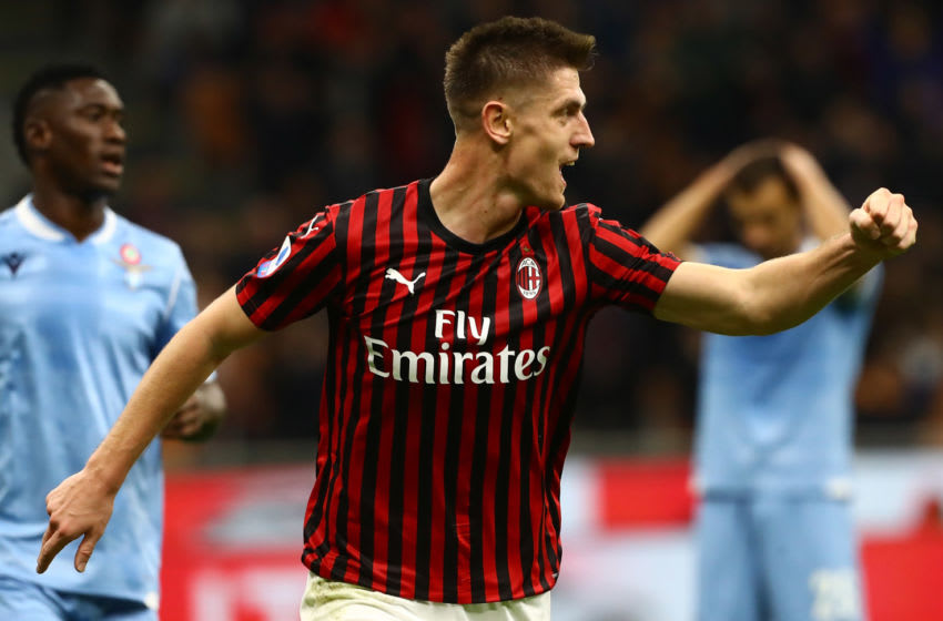 MILAN, ITALY - NOVEMBER 03: Krzysztof Piatek of AC Milan celebrates his goal during the Serie A match between AC Milan and SS Lazio at Stadio Giuseppe Meazza on November 3, 2019 in Milan, Italy. (Photo by Marco Luzzani/Getty Images)