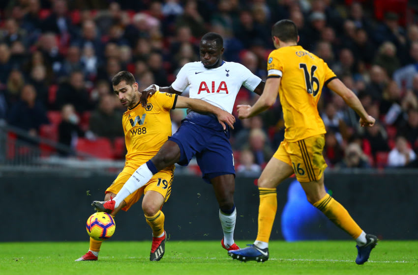 LONDON, ENGLAND - DECEMBER 29: Moussa Sissoko of Tottenham Hotspur battles for possession with Jonny Otto of Wolverhampton Wanderers during the Premier League match between Tottenham Hotspur and Wolverhampton Wanderers at Tottenham Hotspur Stadium on December 29, 2018 in London, United Kingdom. (Photo by Jordan Mansfield/Getty Images)