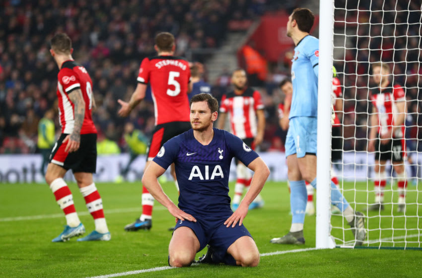 SOUTHAMPTON, ENGLAND - JANUARY 01: Jan Vertonghen of Tottenham Hotspur reacts after a missed chance during the Premier League match between Southampton FC and Tottenham Hotspur at St Mary's Stadium on January 01, 2020 in Southampton, United Kingdom. (Photo by Dan Istitene/Getty Images)