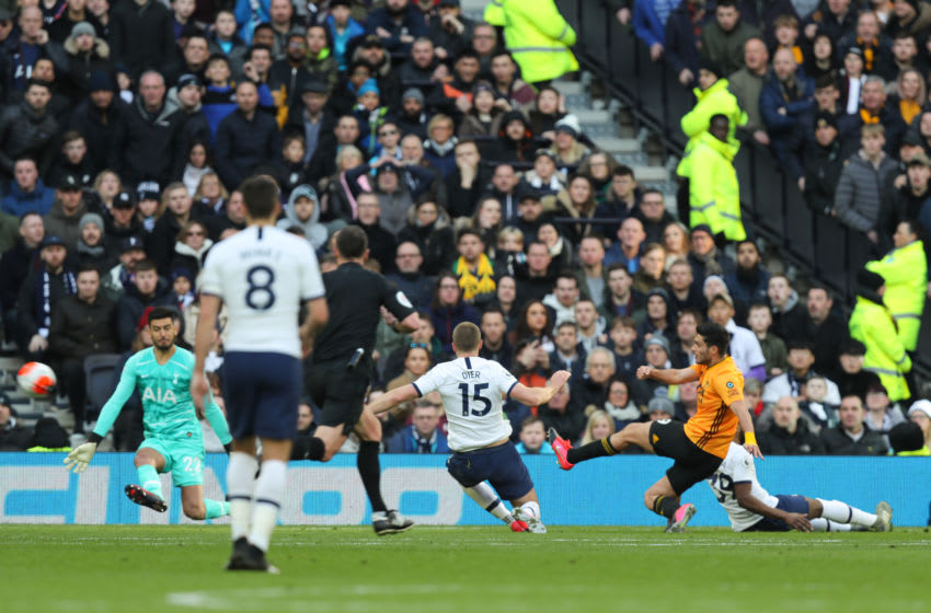 LONDON, ENGLAND - MARCH 01: Raul Jimenez of Wolverhampton Wanderers scores a goal to make it 2-3 during the Premier League match between Tottenham Hotspur and Wolverhampton Wanderers at Tottenham Hotspur Stadium on March 1, 2020 in London, United Kingdom. (Photo by Matthew Ashton - AMA/Getty Images)