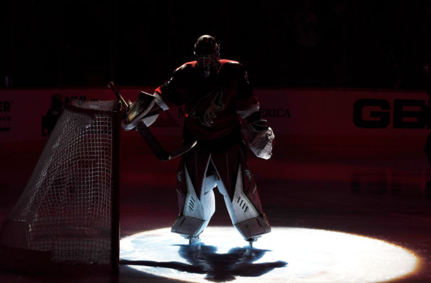 GLENDALE, ARIZONA - OCTOBER 30: Antti Raanta #32 of the Arizona Coyotes prepares for a game against the Montreal Canadiens at Gila River Arena on October 30, 2019 in Glendale, Arizona. (Photo by Norm Hall/NHLI via Getty Images)