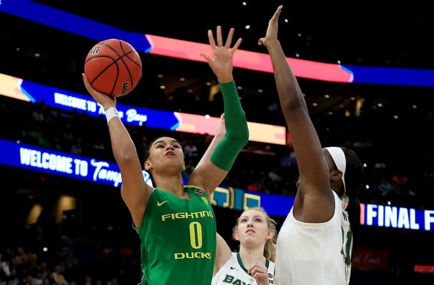 TAMPA, FLORIDA - APRIL 05: Satou Sabally #0 of the Oregon Ducks drives to the basket against the Baylor Lady Bears during the first quarter in the semifinals of the 2019 NCAA Women's Final Four at Amalie Arena on April 05, 2019 in Tampa, Florida. (Photo by Mike Ehrmann/Getty Images)
