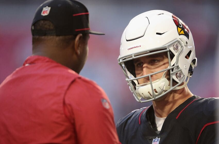 GLENDALE, AZ - OCTOBER 18: Quarterback Josh Rosen #3 of the Arizona Cardinals talks with quarterback coach Byron Leftwich before the NFL game against the Denver Broncos at State Farm Stadium on October 18, 2018 in Glendale, Arizona. (Photo by Christian Petersen/Getty Images)